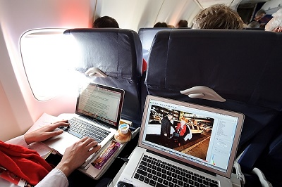 Digital reporting on a flight